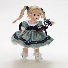 Madame Alexander Forget Me Not John Wright, Madame Alexander Dolls, Harajuku, Cinderella, Disney Princess, Disney Characters, Forget, Collection, Book