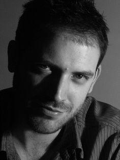 Joe Abercrombie ~ Lee Runas   Ciencia-ficción y fantasía en Alianza Editorial