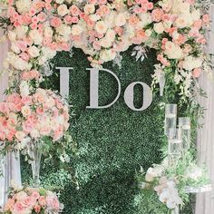 "I am loving our #floralwall backdrop we did for our ""I Do"" Contest . www.sayidowithus.ca Feb. 1 - Feb. 29 Garden roses galore !! Decor , Florals & Styling @nichestylists Signage : @stationerybike Photography : @nomo.simplysweetphotography _________________________________________ #weddingplanner #eventdesigner #weddingflowers #nicheevents #nichewedding #nichestylists #nicheboutique #flowerwall #garland #yvr #contest #backdrop #boxwood"