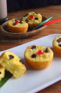 dapur-ziah by mama'e Zie: Cake Tape Singkong Mantap Indonesian Cookies Recipe, Marmer Cake, Bolu Cake, Dessert Drinks, Desserts, Resep Cake, Mini Cakes, Easy Cooking, Beautiful Cakes