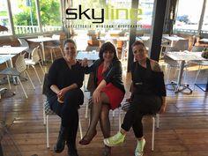 Sconsolata è passata a salutarci da Skyline! Eccola con parte dello staff! Grazie a alla prossima!  #Skyine   #SkylineRimini   #RistoranteRimini   #Sconsolata   #Sconsy   #AperitivoRimini   #BarRimini   #Rimini