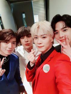 Hwiyoung Moonbin (Astro), Younghoon (The Boyz) and Ilhon (BTOB) Btob Ilhoon, Minhyuk, Korean Celebrities, Celebs, Chani Sf9, Lee Dong Min, Pop Singers, Bright Stars, Yoona