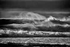 The motion of the ocean in monochrome