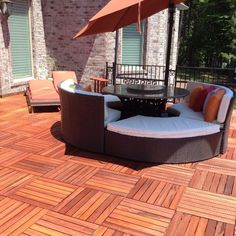 Learn how do I clean my deck before staining it and gain a gorgeous, exotic-looking deck like this beautiful Teak wood deck Diy Porch, Diy Deck, Under Deck Drainage System, Deck Cleaner, Deck Posts, Under Decks, Privacy Panels, Deck Lighting, Deck Railings