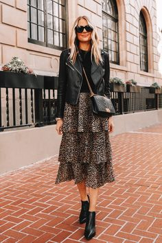 Fashion Jackson Wearing Black Leather Jacket Black Sweater Topshop Leopard Tiered Midi Skirt Black Booties Source by srbugner Fall Fashion casual Fashion Mode, Look Fashion, Autumn Fashion, Fashion Outfits, Classy Fashion, Fashion Clothes, Fashion Ideas, Fashion Tips, Black Leather Jacket Outfit