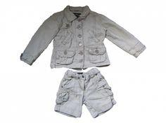 Maat 98/104 Set van jas en korte broek Beige/wit gestreept Broek is maat 98 en jas is maat 104 Merk Villa Happ