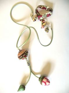 #Vegetal necklace    repin .. like .. comment  :)    http://amzn.to/ZkZaw0