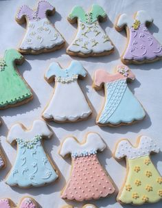 Summer dress cookies - For all your cake decorating supplies, please visit craftcompany.co.uk
