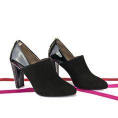 #Zapatos de todos los #estilos, para cualquier ocasión, en tu altura de #tacón, #pieles y #colores a tu elección. ESHOP: http://www.jorgelarranaga.com/es/zapatos-salon-stilettos-pumps/736-1109.html #HANDCRAFTED #SHOES