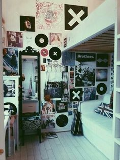 Grunge room [Idk but my fave part is where you see in the mirror the dude/dudette is taking the photo]