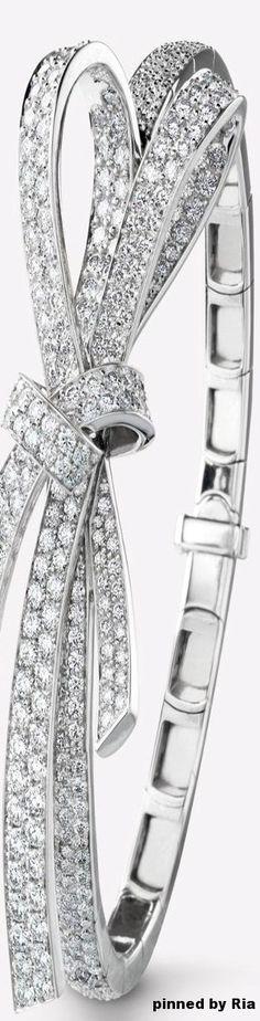 Chanel Fine Jewelry Spring Summer 2017 l 18K White Gold And Diamond Ribbon Bracelet