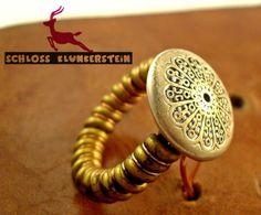 CURLY 2  Artisan Steampunk Ring Unikat 20er Knopf von Schloss Klunkerstein - Uhren, von Hand gefertigter Unikat - Schmuck aus Naturmaterialien, Medaillons, Steampunk -, Shabby - & Vintage - Schätze, sowie viele einzigartige und liebevolle Geschenke ... auf DaWanda.com