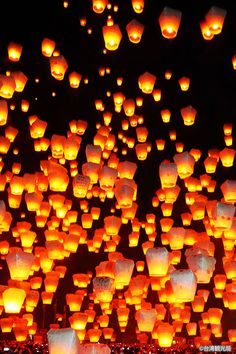 Floating Lanterns, Sky Lanterns, Phone Backgrounds, Wallpaper Backgrounds, Chinese Lantern Festival, Lit Wallpaper, Unique Lighting, Background Pictures, Drone Photography