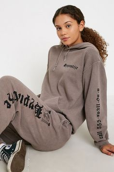Shop UO Hypnotize Skate Hoodie at Urban Outfitters today. Urban Outfitters Online, Urban Outfitters Clothes, Urban Outfitters Tops, Skate Hoodies, Sweatshirts, Buckle Outfits, American Eagle Outfits, Screen Printing Shirts, Pink Yoga Pants