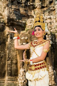 Apsara dancer in Angkor Wat Siem Reap, We Are The World, People Around The World, Khmer Empire, Cambodia Travel, Cultural Diversity, Angkor Wat, Traditional Dresses, Laos