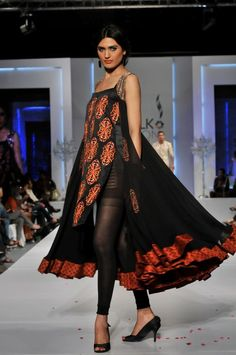 Pakistan Fashion Design Council aims to facilitate, promote and represent Pakistani designers at all levels. Asifa And Nabeel, Pakistan Fashion, Pakistani Designers, Industrial Style, Casual Chic, Sarees, Kimono Top, Fashion Design, Shopping