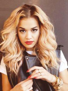 21 Pieces of Hair Inspiration from Rita Ora . Rita Ora, Love Hair, Gorgeous Hair, Pretty Hair, Curly Hair Styles, Natural Hair Styles, Tape In Hair Extensions, Hair Laid, Dream Hair