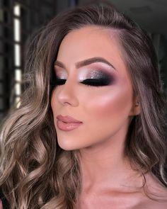 Love Makeup, Makeup Inspo, Makeup Inspiration, Beauty Makeup, Makeup Looks, Hair Beauty, Prom Eye Makeup, Eyeshadow Makeup, Minimalist Makeup