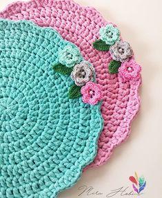 time Crochet Doilies, crochet rug pattern, hygge home decor (tutorial PDF file) Crochet Cup Cozy, Cute Crochet, Crochet Motif, Crochet Designs, Crochet Doilies, Knit Crochet, Crochet Patterns, Crochet Circles, Crochet Round