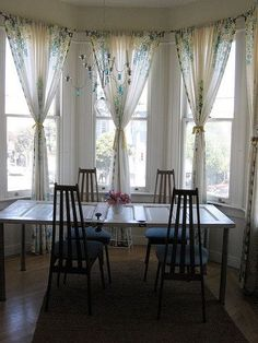 curtain idea for bay window