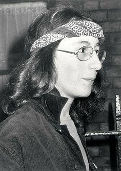 Julian Lennon 18 relaxes in 1981 Julian Lennon, Black Backgrounds, The Beatles, How To Look Better, Beatles