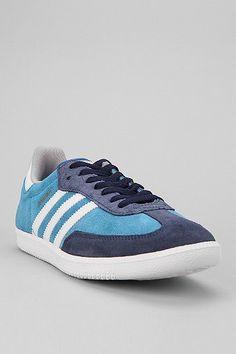 c68e10e127e6a These are adidas dragon but I love these too