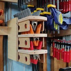 Garage Storage Systems, Diy Garage Storage, Shop Storage, Woodworking Garage, Woodworking Workshop, Garage Tools, Garage Ideas, Workshop Organization, Workshop Ideas