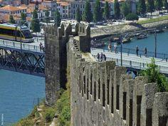 A Muralha Fernandina no Porto Porto City, Porto Portugal, Douro Valley, Oldenburg, Most Beautiful Cities, Lisbon, Marina Bay Sands, Great Places, New York Skyline