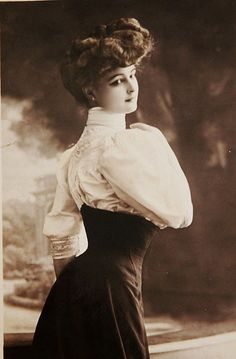 Edwardian high-waisted skirt...