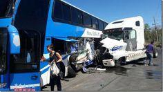 Terrible choque entre bus y gandola en Panamá dejó al menos 10 heridos http://www.inmigrantesenpanama.com/2016/02/28/terrible-choque-bus-gandola-panama-dejo-al-menos-10-heridos/