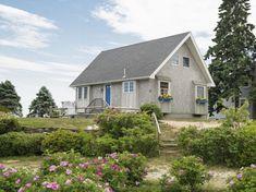 960-sq-ft-cozy-beach-cottage-01