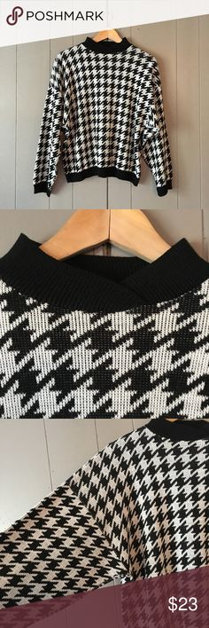 "Herringbone Print Cropped Dolman Sleeve Sweater✨ Adorable sweater in excellent condition! Armpit to armpit is 24"". Length is 22"". Has no size or material tag but feels like a soft sweater cotton blend. Offers are welcome. ☺️ Sweaters"