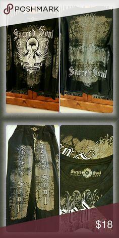 Graphic Print Thermal LS Shirt Graphic print long sleeve thermal shirt. EUC. Sacred Soul Shirts