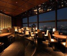 世界最高峰の時計・ジュエリー正規代理店YOSHIDAが運営する松阪牛 よし田。鉄板焼き、すき焼き、しゃぶしゃぶの3つのスタイルと、選りすぐりのワインも。よし田のお料理は服部幸應先生が監修。東京オペラシティ53階、地上200Mから東京を一望する美しい景色とともにお楽しみください。