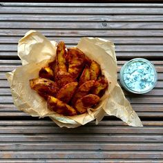 It's Friday night fingerfood time 😛😎👍🏻These are the healthiest naughty looking potato wedges you have ever tasted! * potatoes - paprika - parmesan | italian herbs - lactosefree coconut yoghurt - olive oil *  |||| low FODMAP, low FODMAP recipes, low FODMAP recipes easy, IBS, IBS recipes, IBS diet recipes, irritable bowel syndrome diet, gluten free recipes, lactose free recipes, lactose intolerant recipes, free from gluten, free from lactose,  vegetarian, vegan, vegan recipes, vegan meals
