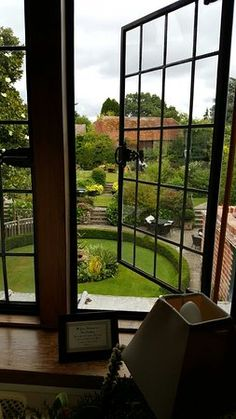 Montagu Arms Hotel, Beaulieu Picture: Landscaped garden - Check out TripAdvisor members' 2,676 candid photos and videos.