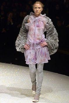 Emanuel Ungaro Fall 2003 Ready-to-Wear Fashion Show - Audrey Lindvall, Giambattista Valli