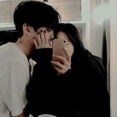 Cute Relationship Goals, Cute Relationships, Ulzzang Couple, Ulzzang Girl, Cute Couples Goals, Couple Goals, Cute Korean, Korean Girl, Korean Couple Photoshoot
