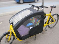 Bullit - a bike for transporting one self and a little one and his/her friends <3 Taken from mor-skaber