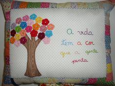Almofada colorida | Flickr - Photo Sharing!