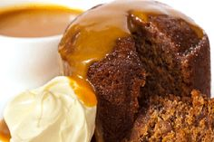 Sticky date pudding topped with caramel sauce and fresh cream. Grain free with a… Sticky date pudding topped with caramel sauce and fresh cream. Grain free with almond meal and tapioca Paleo Dessert, Dessert Recipes, Butterscotch Sauce, Toffee Sauce, Malva Pudding, Pudding Cake, Sticky Toffee Pudding, Bellini Recipe, Date Cake
