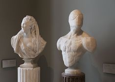 Artist Leo Caillard plunges us, with his series Stone Heroes, in the tomorrow museums. He sculpted and put statues with super heroes as Superman, Captain Americ Sculpture Stand, Photo Sculpture, Sculpture Art, Stone Statues, Contemporary Artwork, Artist Painting, Art And Architecture, Art Direction, Illustration Art