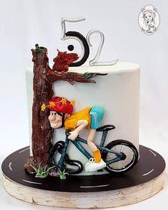 Boys Bday Cakes, Funny Birthday Cakes, Funny Cake, Creative Cake Decorating, Cake Decorating Videos, Cake Decorating Techniques, Bicycle Cake, Bike Cakes, Fondant Cakes