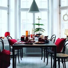 Christmas is coming, this year make your Christmas as Stylish as possible! We love this table decoration by Iittala, the warm reds create the perfect festive ambience. #iittala #christmas #table #decoration #christmasiscoming #homestylingtips #colour #scandinaviandesign #design #interiordesign #finnish #finishdesign  #tlshoppe #thelollipopshoppe