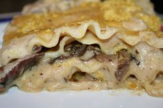 Mushroom Lasagna (thicken the sauce with pureed white beans and/or cauliflower?)
