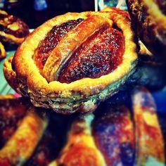 """Bartolo, pastel típico de Laviana. Una de las razones por las que se dice que los asturiano son """"llambiones""""."""