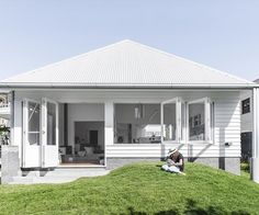 Home Renovation Backyard This Brisbane home is full of ideas for renovating with white - Megan Morton visits a young family's newly renovated Brisbane home to explore its clever ideas for renovating with white. Brisbane, Old Home Renovation, House Renovations, Blue Subway Tile, Camp Hill, Secret House, Bungalow House Design, Bungalow Exterior, Built In Furniture