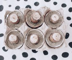DIY Concrete Mushrooms - Creative and Simple Crafts Idea with Concrete - Drawing Still 2020 Diy Crafts To Do, Easy Crafts, Easy Diy, Crafts For Kids, Christmas Lanterns, Outdoor Christmas, Christmas Art, Recycled Light Bulbs, Flower Drawing Images
