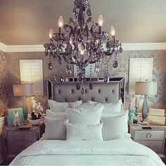 Bed & drawers ✔️ chandelier ⚪️