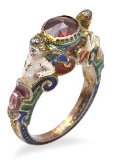 Renaissance Gold enamel garnet Ring. Figural Putti / Cherubs